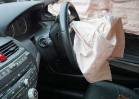 自動車の解体でエアバッグを再資源に。リサイクルできるパーツの種類とは