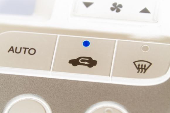 空調上手なドライブを!車のエアコンの内気循環と外気導入を使いこなそう!